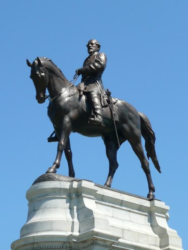 monument_ave_robert_e-_lee